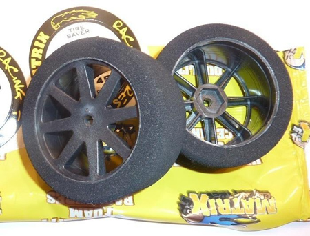 Matrix 42 1/10 rear on Carbon Kyosho wheel